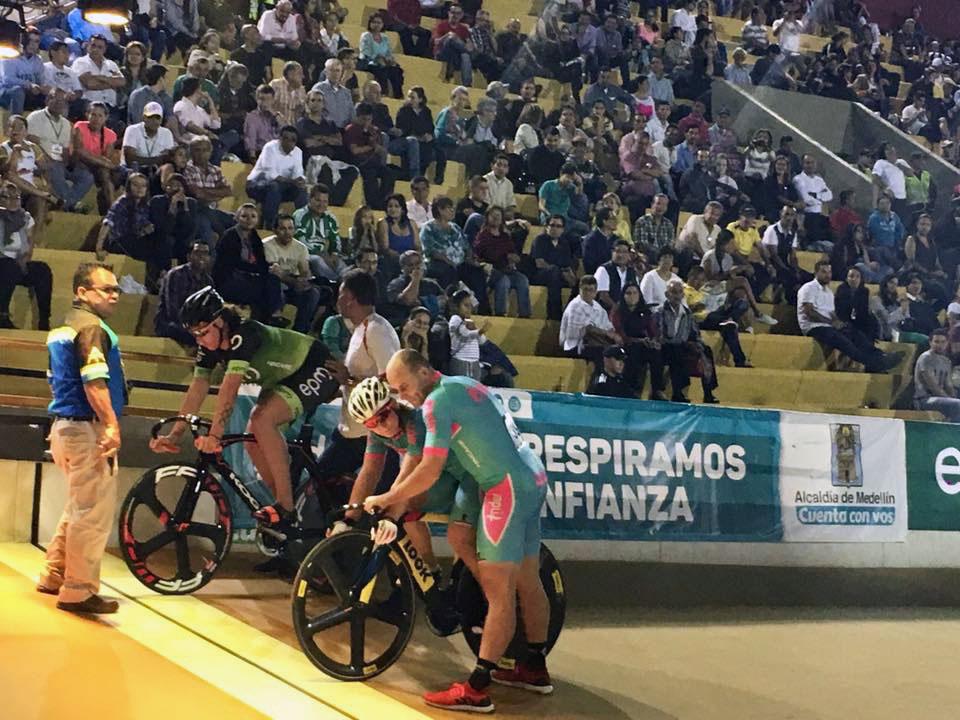 Elis Ligtlee en Kristina Vogel aan de start van de sprint finale