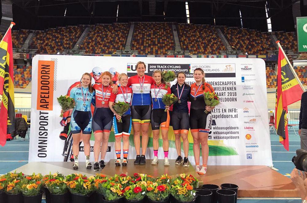 Op het podium met o.a. Kyra Lamberink, Wietske Bloemhof, Hetty van de Wouw en Laurine van Riessen